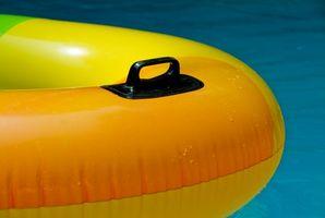 Hvordan oppdage en lekkasje i en Aboveground svømmebasseng