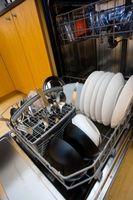 Hvordan å rengjøre en oppvaskmaskin med Kool-Aid