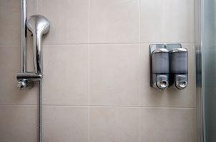 Hvordan lage din egen dusj Spray