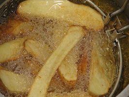 Slik fjerner fett fra en Deep Fryer