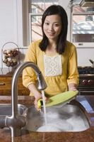 Hvordan å holde en Sink og tellere Clear av Retter