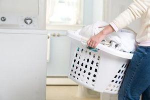 Kan jeg bruke vaskemiddel for å vaske Whites stedet av Bleach?