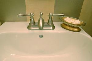 Slik fjerner Rust fra et bad Sink