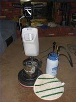 Hvordan Bonnet Clean en Carpet
