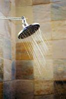 Slik fjerner Clear Silikon Rundt en dusj