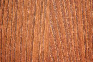 Slik fjerner Carpet Glue Fra tregulv