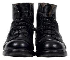 Hvordan fikse Leather Boots som fikk skrapt