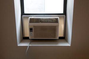 Hvordan du rengjør filteret på en Frigidaire Air Conditioner
