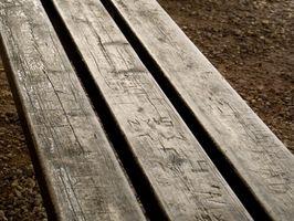 Hvordan bygger jeg en Deck Benk Med Bjelkelag?