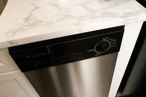 Hvordan å rense en brukt Oppvaskmaskin