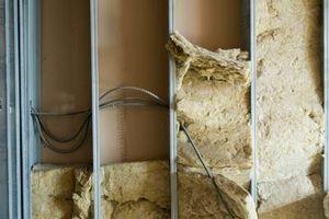 Slik installerer Isolasjon i et gammelt hus