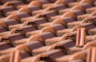 Slik fjerner Rust Flekker fra Terra-Cotta Fliser