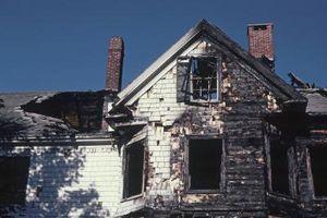 Slik fjerner Smoke & sot fra en husbrann