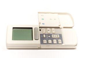 Hvordan installerer jeg en VisionPro Th8000 Termostat?