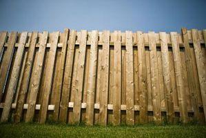 Hvordan lage en Gray Wood Fence se Nye