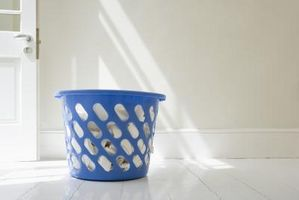 Hvordan du rengjør en Gloss Interiør Paint Trim