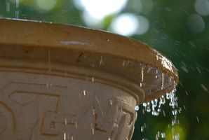 Hvordan lage en liten fontene