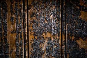 Hvordan Clean Wood Møbler Etter en Brann