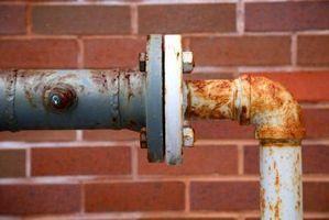 Hvordan Kill Toalett Pipe Rust