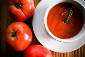 Hvordan lage Hjem Hermetisert kondensert Tomatsuppe