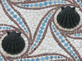 Hvordan Sett Mosaic Tile på et utendørs ildsted