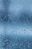 Hva er årsakene til kondensvann på utsiden av Double-Pane Windows?