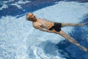 Hvorfor Vann i bassenget er Opaque