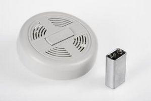 Slik installerer en røykdetektor i soverom