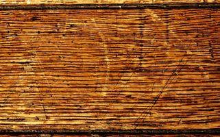 Slik fjerner du flekker fra gamle Hardwood Flooring