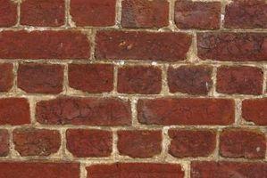 Hvordan å reparere en sprekk i en Brick Fence