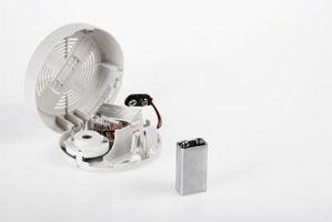 Hvordan ta av deksel på termostat