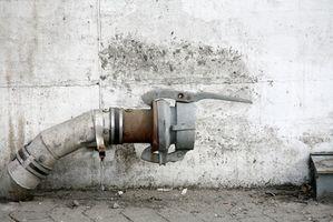 Oppvaskmaskinen lekker vann