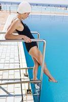 Hva slags kjemikalier for å bli lagt til vannet i svømmehaller?