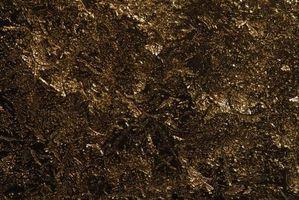 Hvordan fikse Hard, klumpete Soil