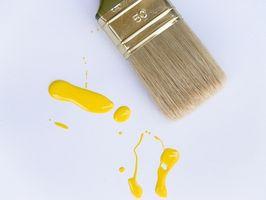 Hvordan fjerne maling fra treverk