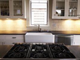 Hvordan du rengjør en Burnt platetopp