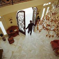 Hvordan lage en Floor Non-Slip Med en Hjem Utbedring