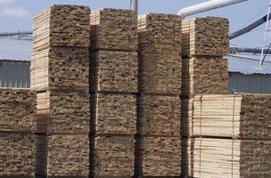 Skal du bygge et Deck med Wet Wood?
