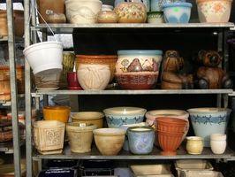 Hvordan Plant en Glasert Ceramic Pot