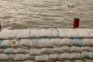 Hvordan lage en Dam til Stopp Flood Water