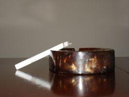 Slik fjerner sigarettrøyk lukt fra møbler