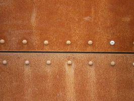 Slik fjerner Rust flekker fra aluminium ytterkledning