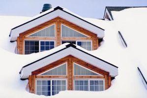 Min taket lekker Fra snø Rundt Pipes