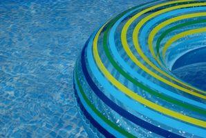 Hvordan bruke en Pool Skimmer Diverter Plate