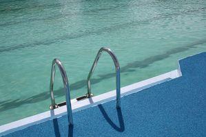 Hvordan installerer jeg en A-Frame Ladder Enclosure for et svømmebasseng?