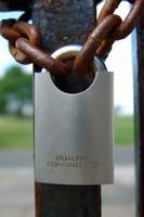 Låser, Safer og sikkerhet